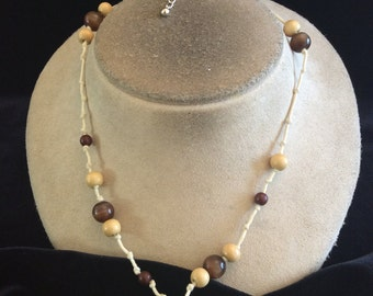 Vintage Shades Of Brown Plastic & Glass Beaded Necklace