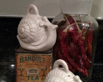 Vintage Snail Salt and Pepper Shakers/ Made in Japan/ Retro Kitchen/ White Ironstone
