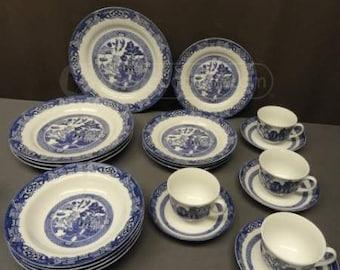 Royal Cuthbertson 24 pc. Blue Willow Set