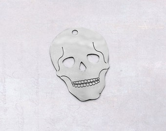 10 x Stainless Steel Thin Etched Skull Pendants / Tags