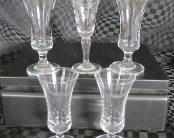 Vintage 4 cups Sherry and 1 Special