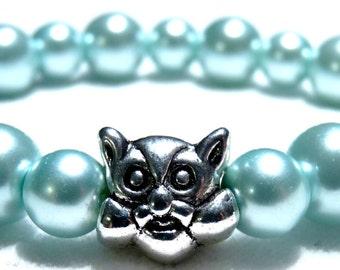 Pale green glass pearl bracelet