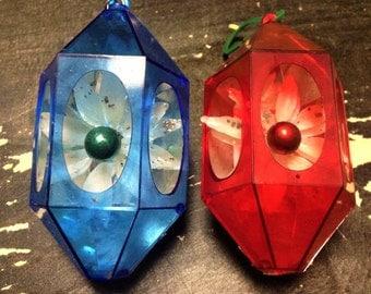 VINTAGE:Set of 2 Christmas Retro Ornament /Plastic Christmas Ornaments /Decoration.{G2-222#00741}