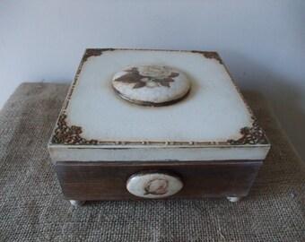 wooden trinket box,retro keepsake box,decorated box,home decor