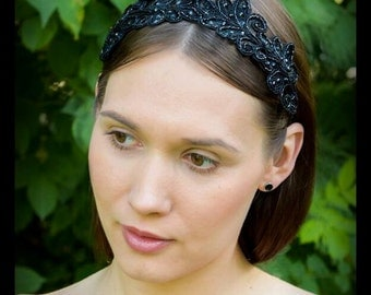 Black embroidered hair accessory