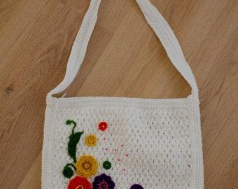 Knitted vintage messenger bag