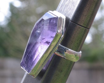 Amethyst toe pincher coffin ring in sterling silver