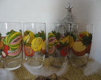 Lot of 4 glasses has orangeade 70
