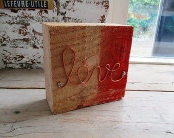 HANDMADE handmade wire word ' LOVE ' on 15x15x6 cm douglas wood