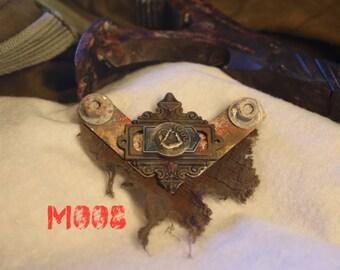Medallion Post Apocalyptic, Steam Punk, Diesel Punk Badge  (M008)