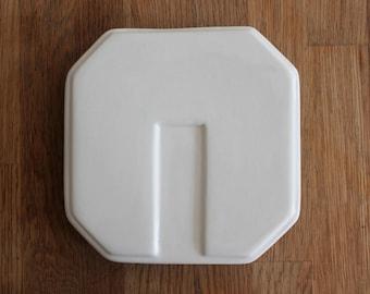 Cream Geometric Matching Plate