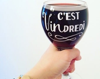 "Decal for wine cup ""C'est Vindredi"" for wine drinkers"