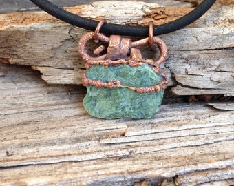 Gift for her, Raw jewelry, Serpentine necklace, natural jade pendent,  California jade necklace