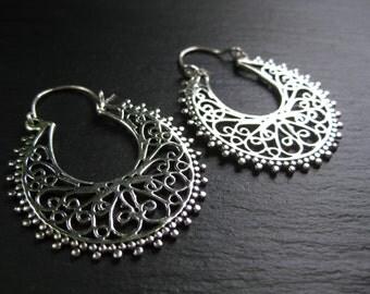 Silver Hoops Filigree Disc Earrings . Gypsy Flamenco Bohemian Hippie Chic . FREE SHIPPING CANADA .  Zarishop . Zariboutik