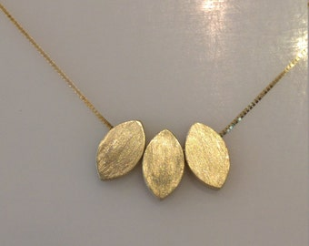 Solid gold necklace,gold necklace,uniqe gold necklace,classic gold necklace,delicate gold necklace,yellow gold necklace,gift for her
