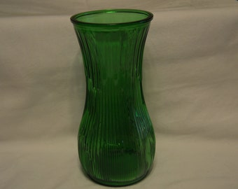 Hoosier Glass Emerald Green Ribbed Flower Vase Vintage Item #3020