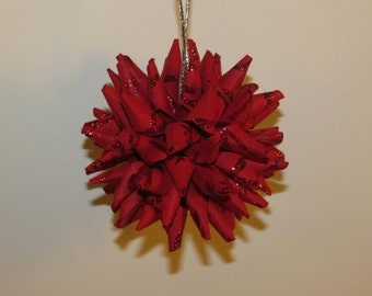 Polish Star ornament - crimson red with red glitter pattern