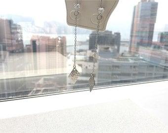 Diamond shape chic earrings