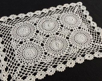 White Crochet Lace Placemat. Vintage Crocheted Chunky Cotton Lace Large Oblong Doily, Placemat. RBT1040