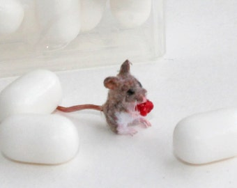 OOAK Dollhouse Miniature Realistic Wood Mouse ~ 1:12 scale animals ~ handsculpted by Katie Doka