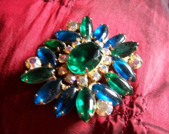 Stunning Brooch With Gorgeous Stones - take a look!