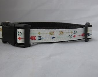 Preppy arrows dog collar