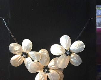 Stunning Leather shell crystal beaded necklace
