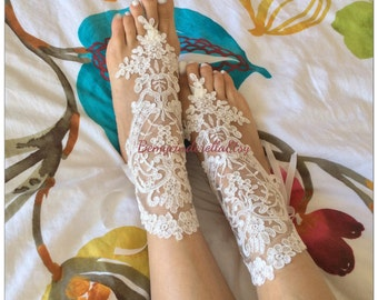 Alencon lace barefoot sandals, off white  bridal lace sandals, barefoot sandal, lace anklets, bellydance, bridesmaid gift