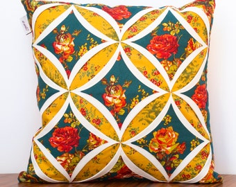 Cushion cover-Cathedral Window patchwork-40x40cm-vintage-100% cotton-handmade-floral-green yellow red-unique pillow cover