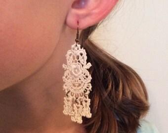 Chandelier vintage lace dangle earring