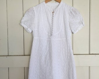 Vintage 90s White Broderie Anglaise Shift Dress