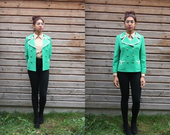 Vintage Vibrant Green Cropped Blazer  in size Medium