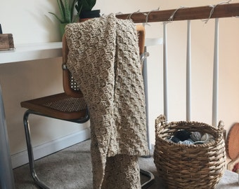 Crochet Throw Blanket / Buff Fleck