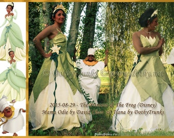 Tiana cosplay (from disney's Princess & the frog)