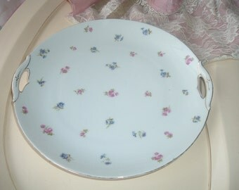 cake plate with small roses