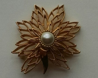 Gold Leaf Flower Brooch with Center Pearl