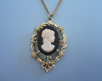 Faux Cameo and Pearl Necklace
