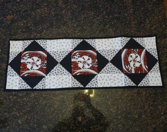Square in a Diamond Table Runner