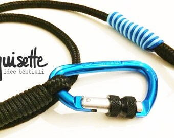 Leash in rope and climbing carabiner