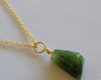 IT'S A STEAL! Gorgeous Canadian Nephrite JADE Necklace!