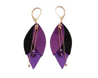 Leather plum Tulip earrings