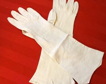 Vintage Cream Fine Chamois Gloves 1960s