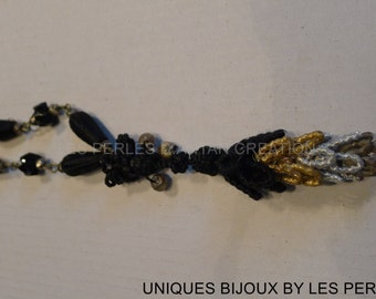 necklace with small old pompom made of silk ribbon xix eme