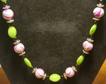 Pink tiger strip/green necklace