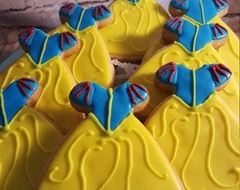 12 Snow White dress sugar cookies perfect for your Snow White Birthday Theme Party