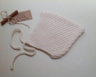 100% cashmere Baby Pixie Bonnet hat white  size 6-9 months