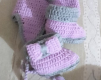 baby booties with Hat