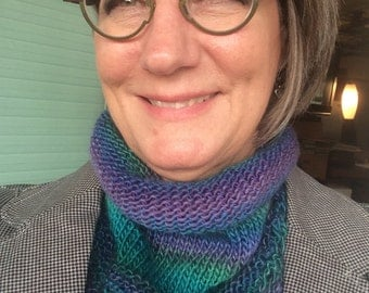 Cowl, hand knit