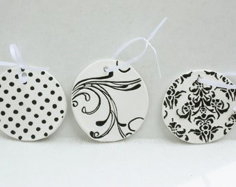 Clay Circle Gift Tags, Set of 3 Gift Tags, Package Tags, Round Gift Tags, Black & White Tags, Gift Wrapping, Party Favor Tags, Hang Gift Tag