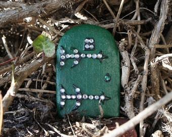 Fairy Sparkles 'WOODLAND DOOR' - Sparkling Rhinestones on a Green Solid Resin Door - New